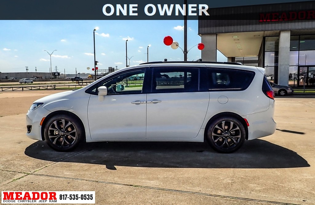 Pre-Owned 2018 Chrysler Pacifica Touring Plus