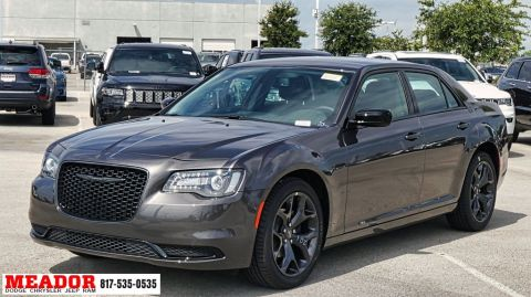 2020 Chrysler 300 Touring